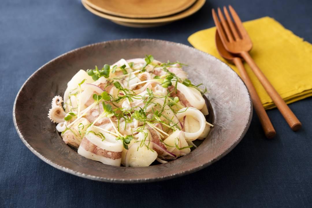 白イカと梨のサラダ